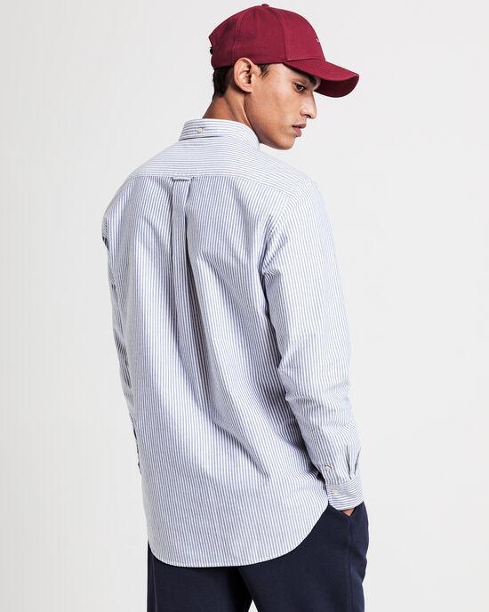 Regular fit oxfordskjorta med mellanbreda ränder