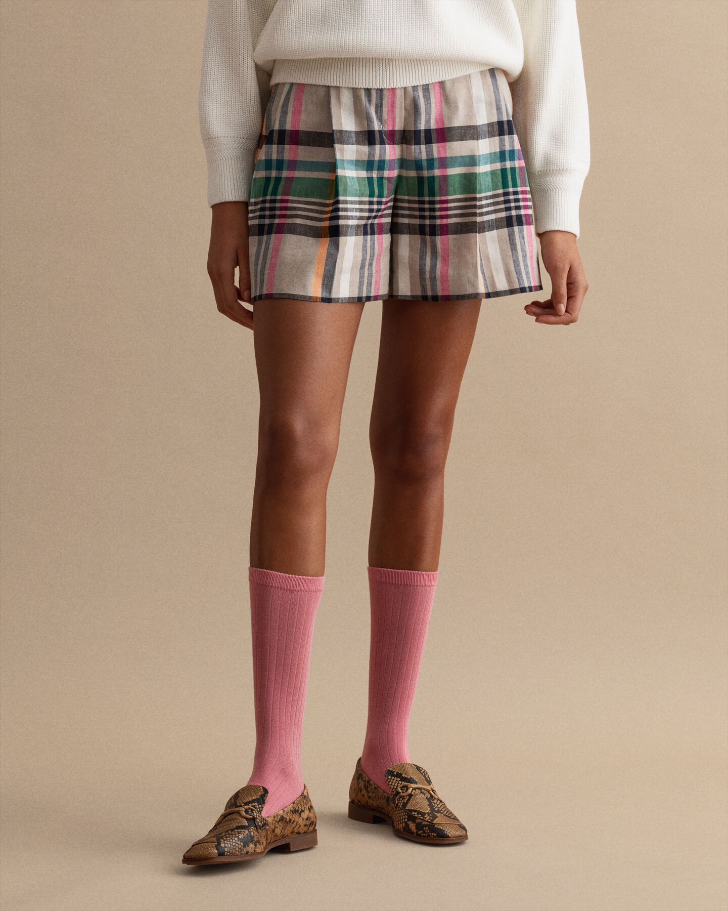 Rutiga välskurna shorts