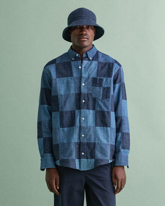 Relaxed fit lapptäcksinspirerad indigoskjorta