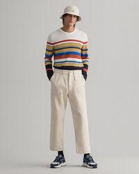 Rundhalsad tröja med flerfärgade ränder