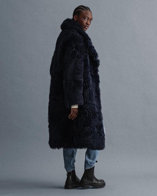 Oversized kappa i fårpäls